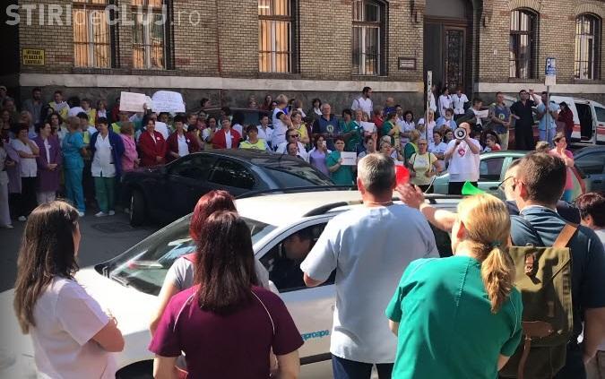 Spitalele clujene au declanșat greva de avertisment - VIDEO