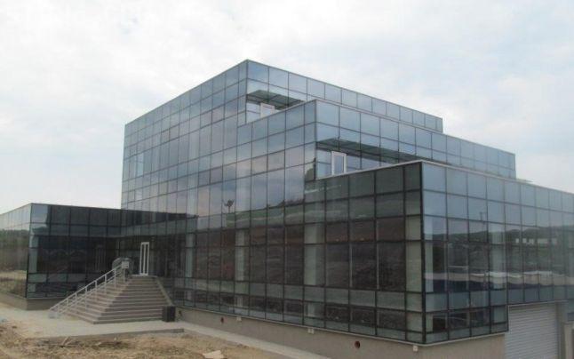 Consiliul Județean Cluj riscă să piardă 5 milioane de euro. În Tetarom 1 sunt mii de mp de birouri goale