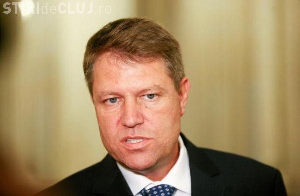"""Klaus Iohannis a fost amendat de CNCD pentru că a folosit cuvântul """"penali"""""""