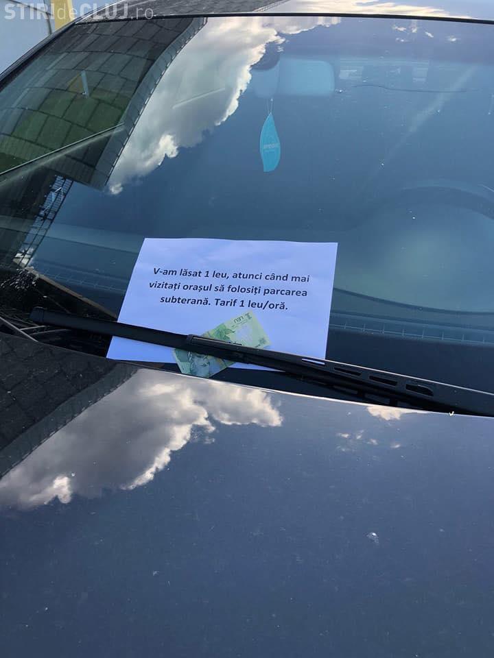 Șofer nesimțit, penalizat de un clujean. I-a lăsat un leu în parbriz - FOTO
