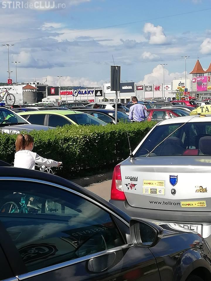 În FINE! Poliția dă amenzi celor care parchează la VIVO - FOTO