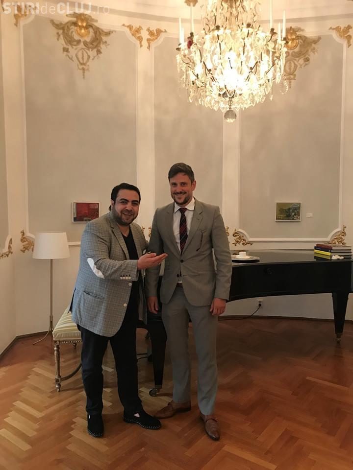 Manelistul Dan Bursuc primit oficial la ambasada Suediei