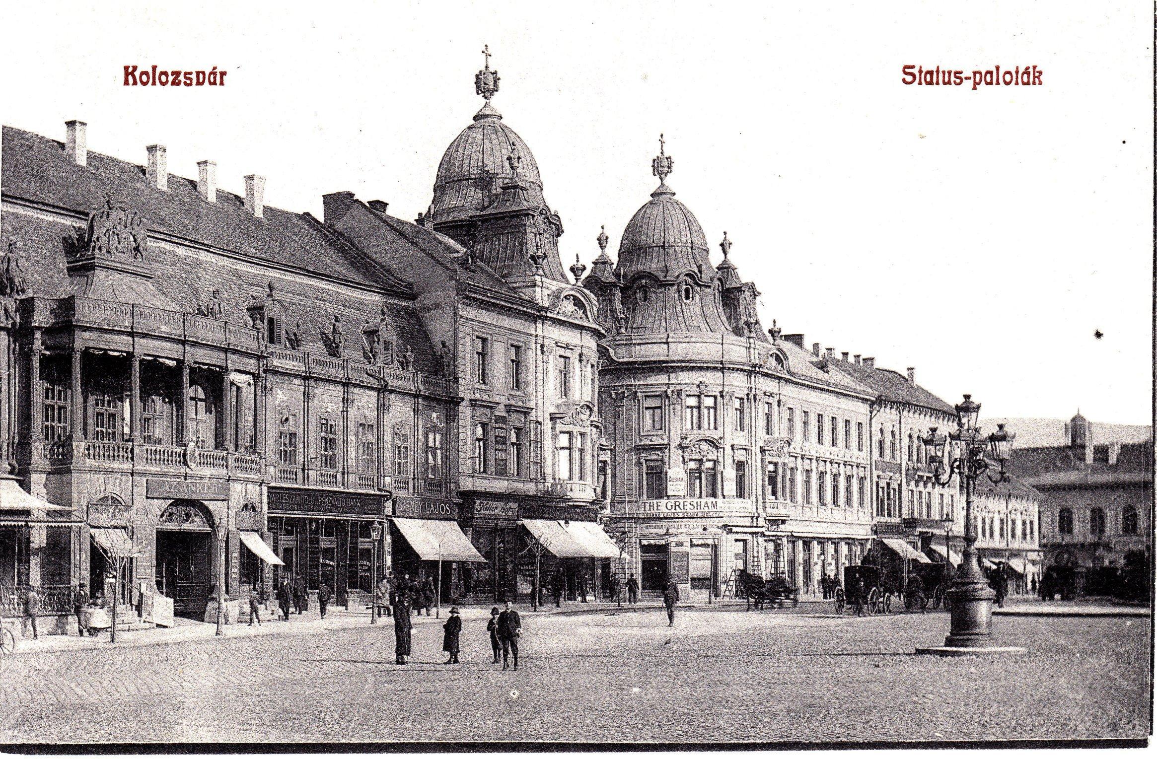 Maghiarii clujeni acuză Primăria că a șters în photoshop numele maghiare din pozele istorice - FOTO
