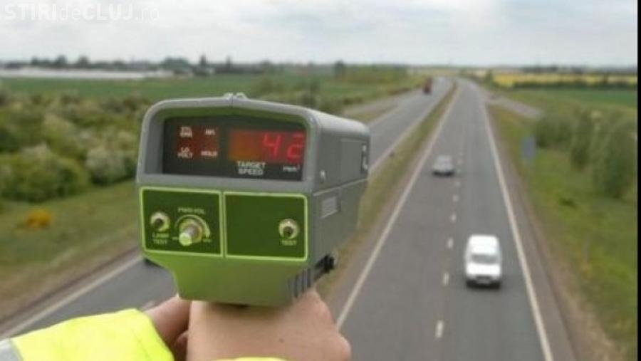 Șofer arab, stabilit în Cluj, prins gonind cu peste 220 km/h. Avea și permis fals