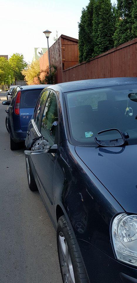 Cluj: Un disperat a vandalizat mașinile de lângă Studium Green - FOTO