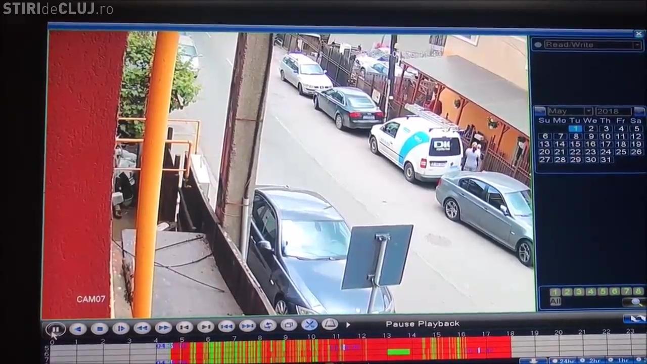 CLUJ: A lovit două BMW pe strada Iasomiei și apoi a vrut să ascundă mașina. A fost apoi încătușat
