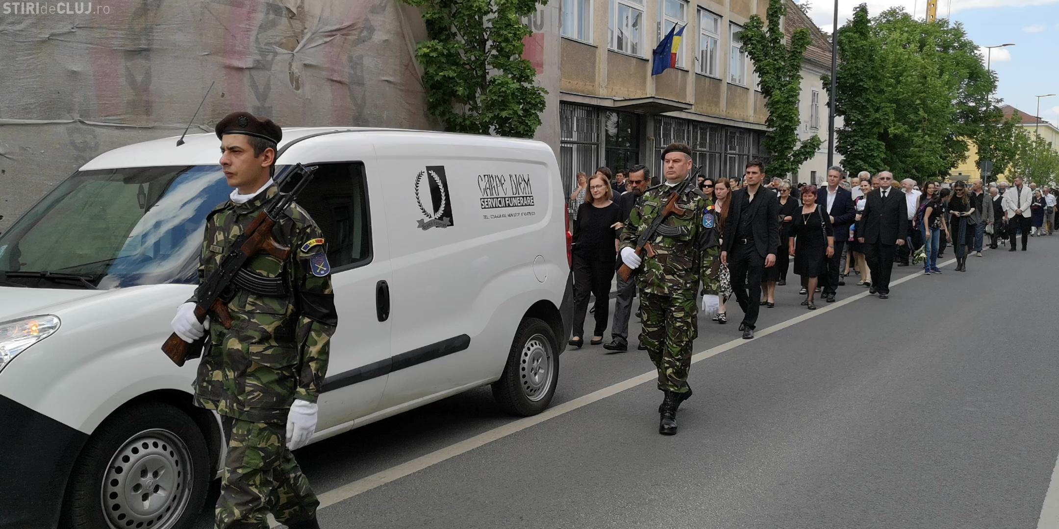 Doina Cornea, îngropată cu onoruri militare în Cimitirul Central - VIDEO