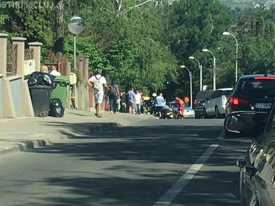 Accident pe Republicii! Motociclist lovit când ieșea din parcare