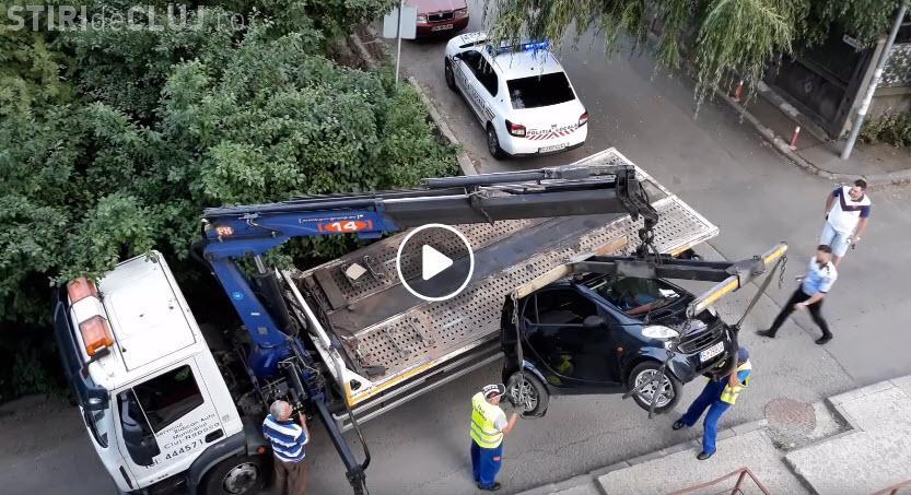 Profesioniștii în ridicări auto din Cluj-Napoca. Parcă sunt la prima ridicare - VIDEO