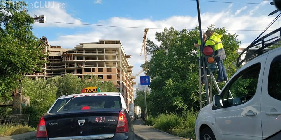 """Pe podul Porțelanului se pune """"măcar"""" un semafor - FOTO"""