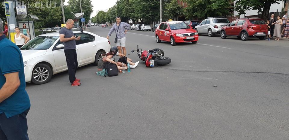 Accident de motocicletă pe strada Constantin Brâncuși: Era în rochie și cu sandale - FOTO