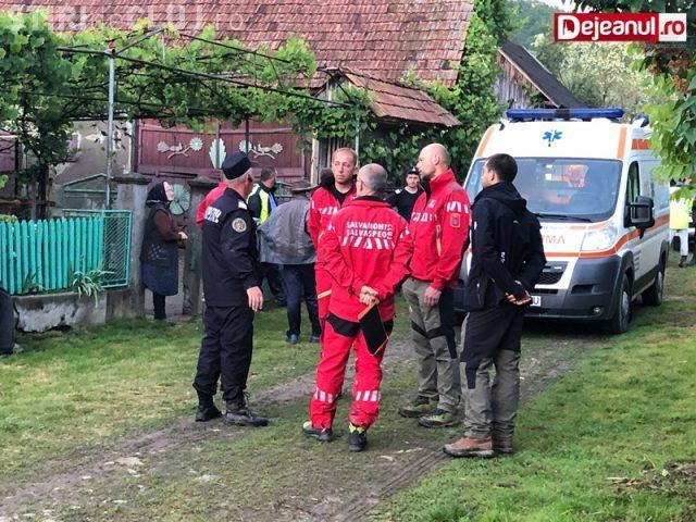 CLUJ: Femeie de 72 de ani, la un pas de moarte după ce s-a pierdut în pădure. Forțele de ordine au găsit-o după ore de căutări VIDEO