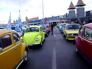 Parada masinilor retro, organizata azi la Polus Center - VIDEO si FOTO