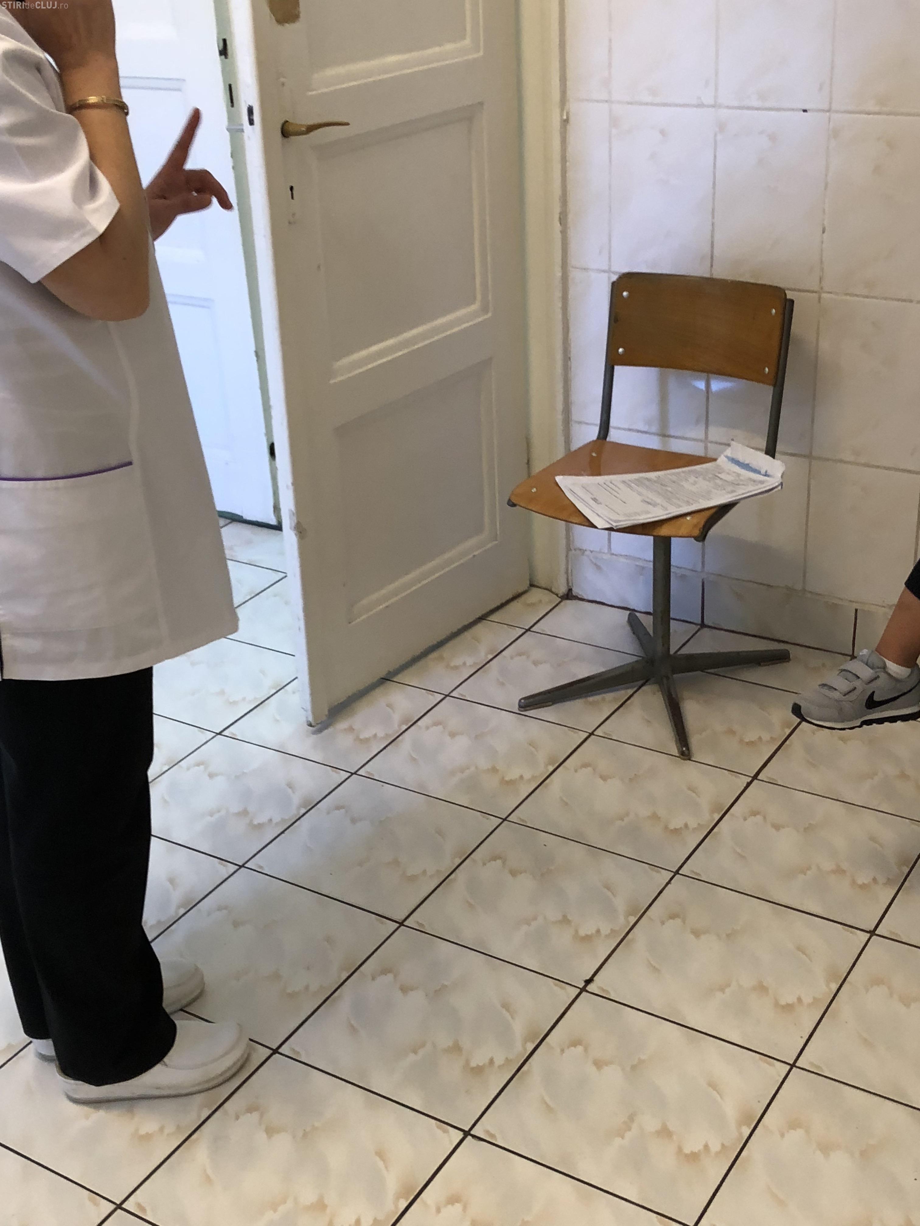 Cluj: A refuzat să își interneze copilul la Pediatrie 3 din cauza unui gândac - FOTO