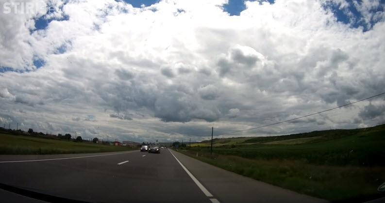 Depasire la limita pe drumul Cluj - Dej. De ce vor unii să sfârșească prost? - VIDEO