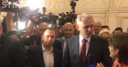 Jurnaliști agresați în Parlament de deputații care îl păzesc pe Dragnea - VIDEO