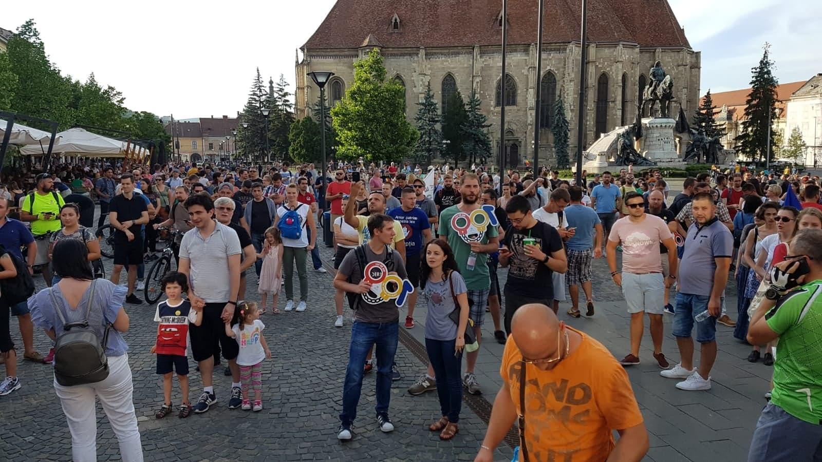 A doua zi de proteste la Cluj! Peste 5.000 de persoane au ieșit în stradă FOTO/VIDEO LIVE