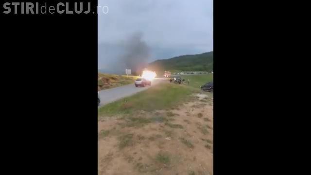 Imagini cu autoturismul care a explodat la începutul lunii - VIDEO