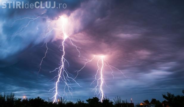 CLUJ: Tânăr lovit de fulger în timp ce lucra pe timp de furtună. A ajuns în stare gravă la spital