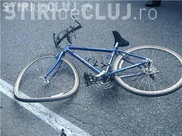 CLUJ: Biciclist rănit grav în urma unui accident. A virat fără să se asigure
