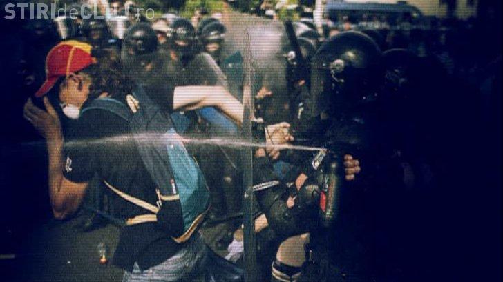 Explicațiile Jandarmeriei pentru intervențiile în forță de la protestul din București: S-a acționat la ordinul prefectului