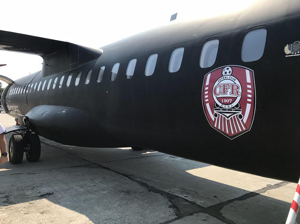 CFR Cluj a decolat cu un avion personalizat spre Luxemburg - FOTO