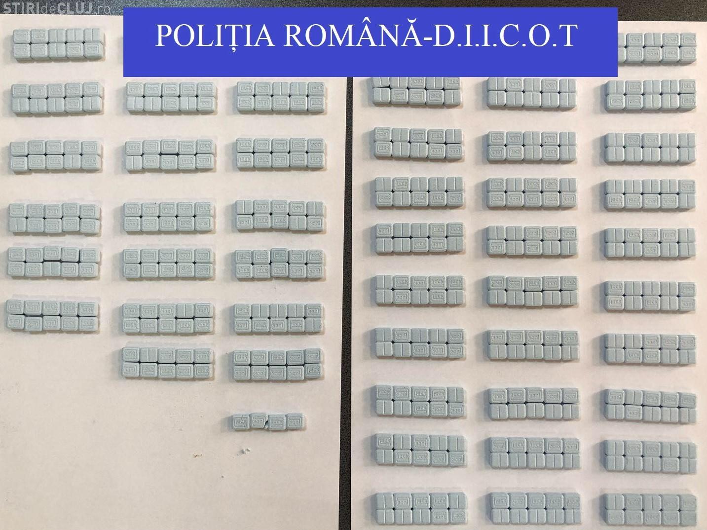 """Captură de droguri la Cluj. """"Dealer-ul"""" primea pastile de MDMA, ecstasy și cannabis prin colet FOTO"""