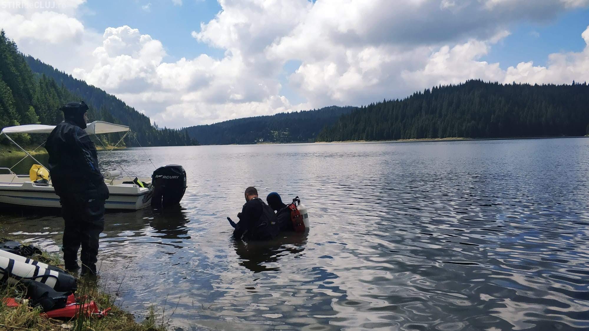 Scafandrii de la ISU au intrat în cea de-a șaptea zi de căutări pentru a-i găsi trupului șefului APIA Cluj, în lacul Beliș