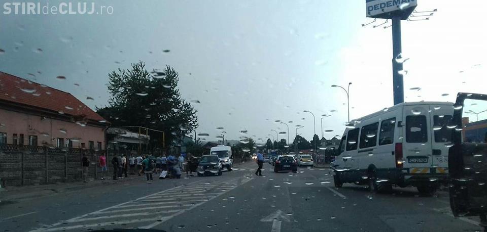 Accident în spatele Gării din Cluj. Un pieton a fost lovit de mașină FOTO