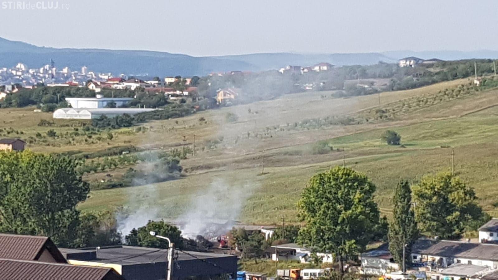 Incendiu în Iris! Fumul este resimțit și în alte cartiere FOTO