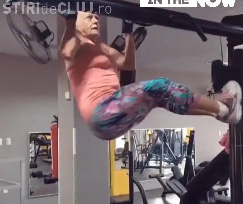 Bunica atomică! Are 69 de ani și face tracțiuni ca o tinerică - VIDEO