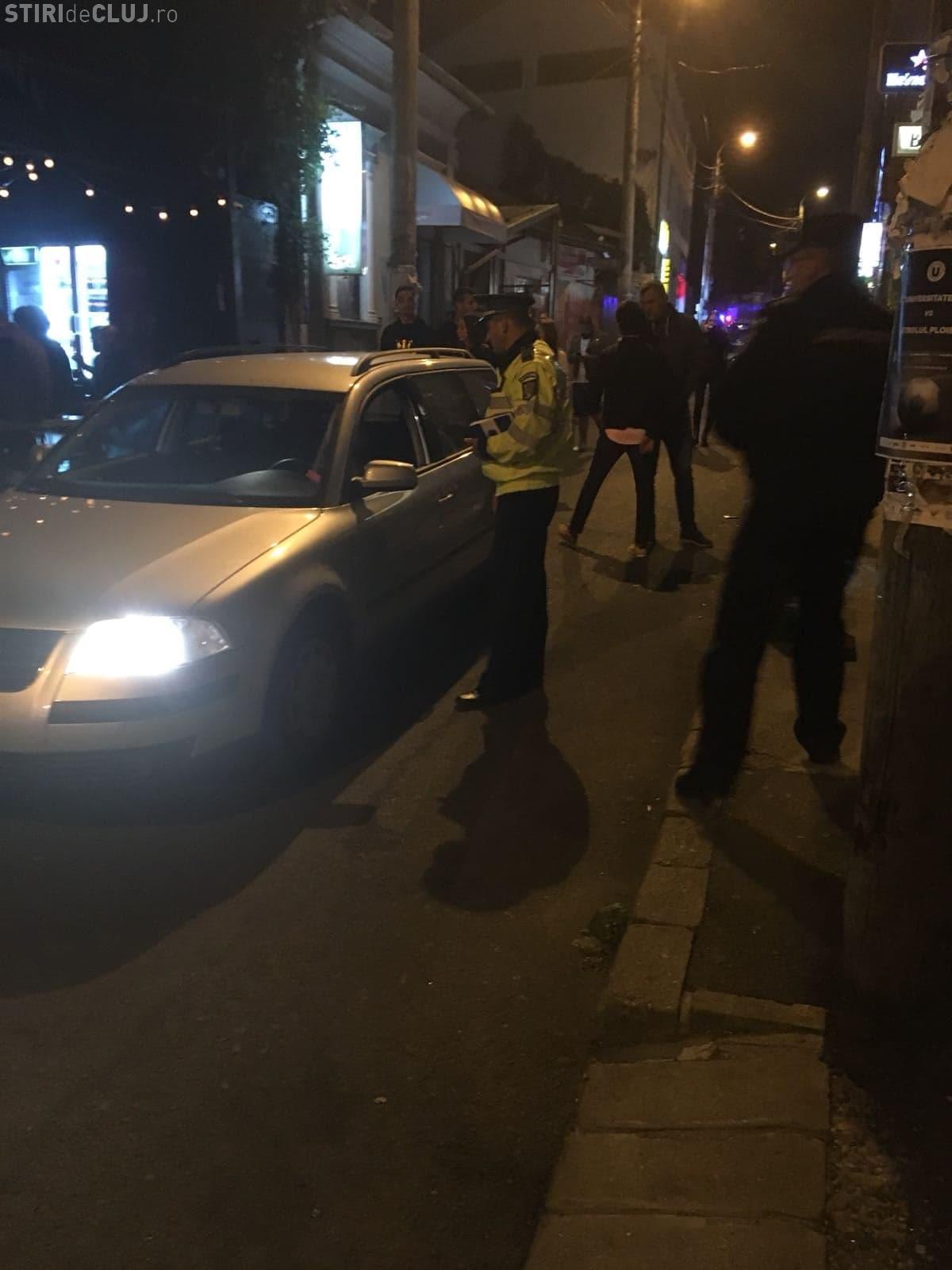 Razie de amploare pe strada Piezișa din Cluj! Zeci de persoane au fost legitimate FOTO/VIDEO