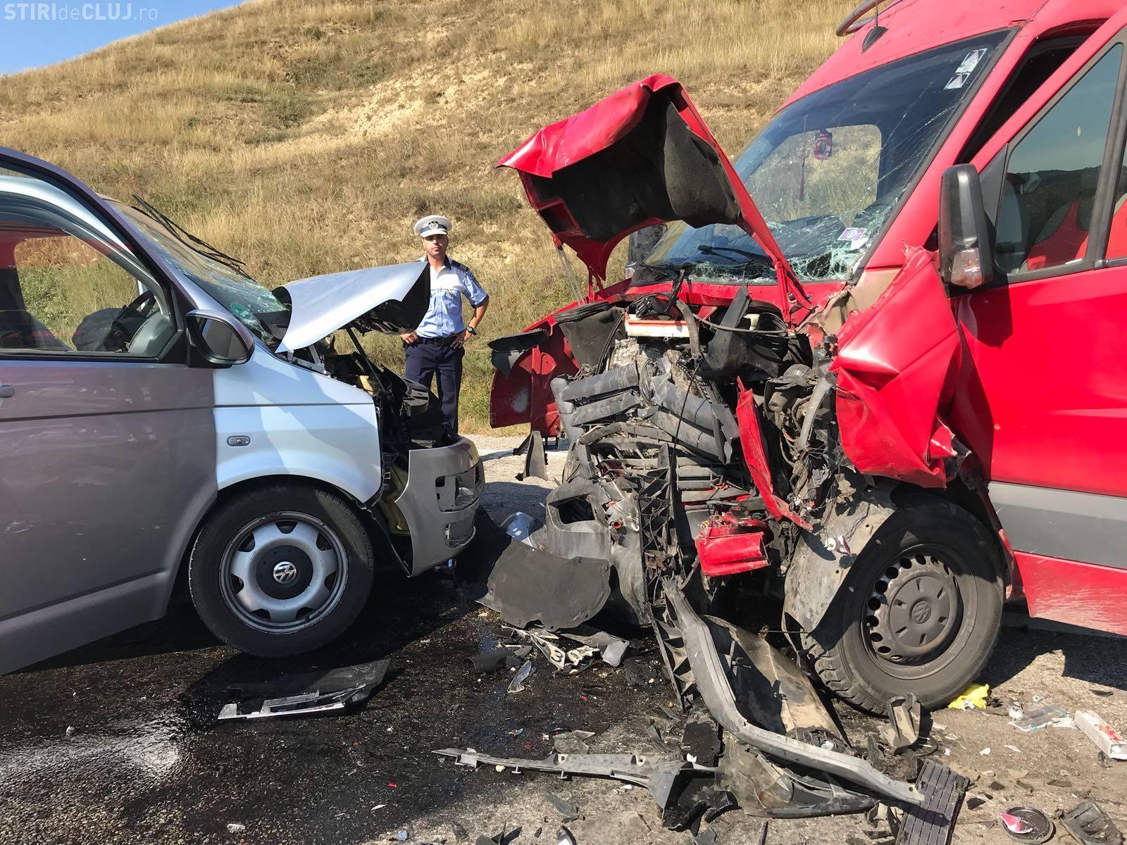 Accident grav la Cămărașu, pe drumul de la Cluj-Napoca la Reghin. A fost chemat elicopterul SMURD - FOTO