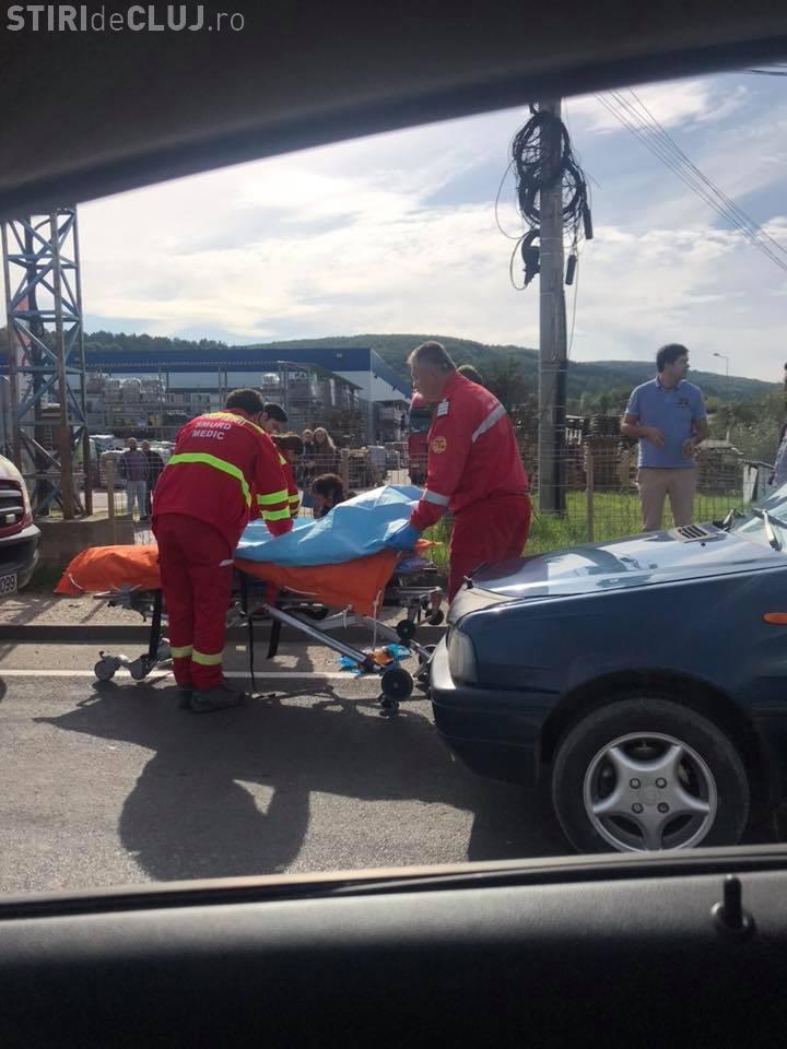Accident pe Calea Florești, lângă Arabesque. Autobuz lovit față - spate
