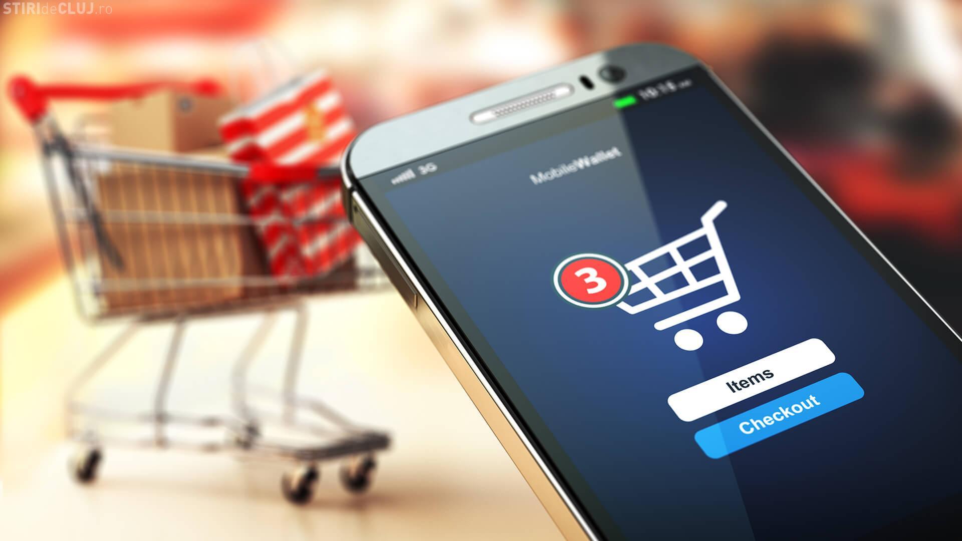 Cu ce își ocupă românii timpul la serviciu: 6 din 10 angajați fac cumpărături online