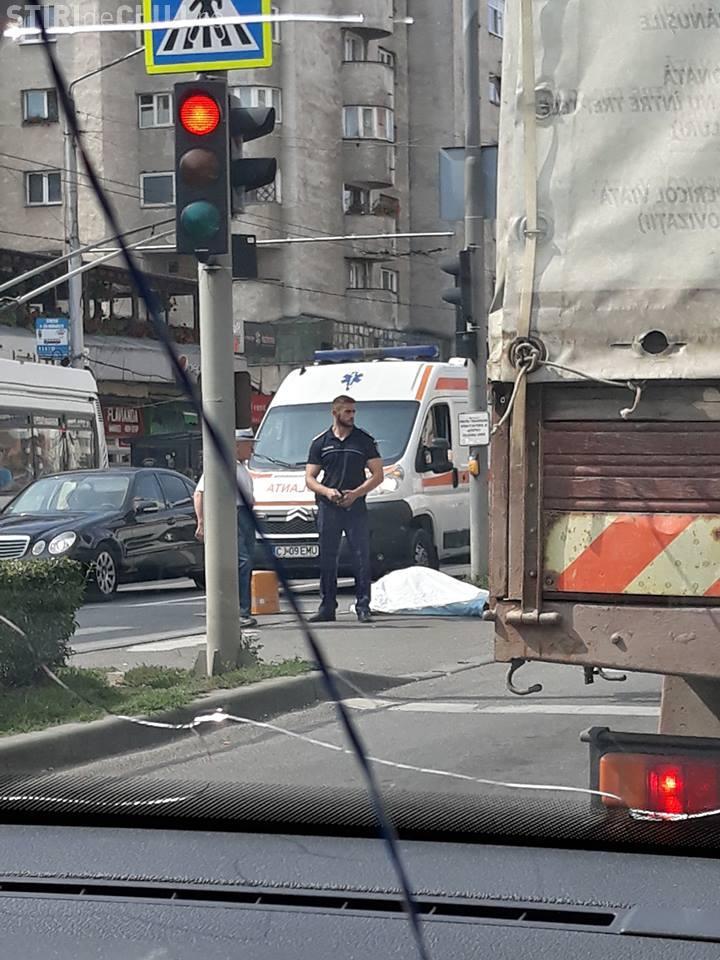 Caz șocant în Piața Mărăști. A căzut în refugiul de pietoni și a murit: La 112  nu au răspuns!!! - VIDEO
