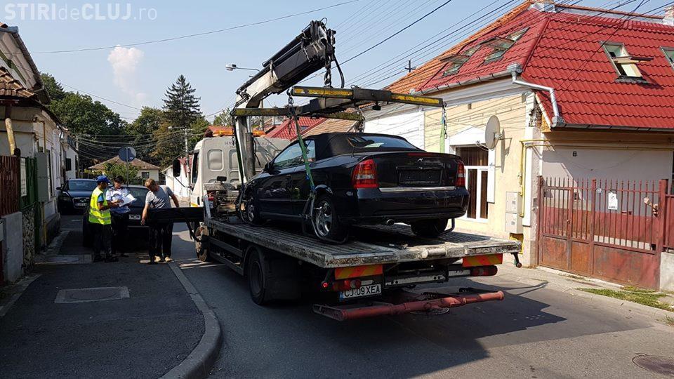 O sută de mașini abandonate, ridicate de primărie la Cluj-Napoca de la începutul anului