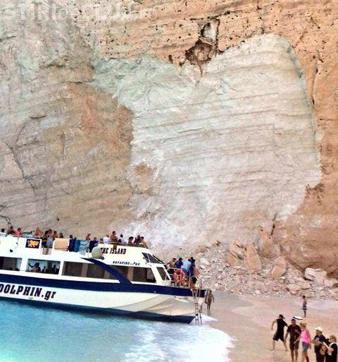 O parte din faleza din Zakynthos, plaja Navagio, s-a prăbușit. Turiștii au fost răniţi - VIDEO