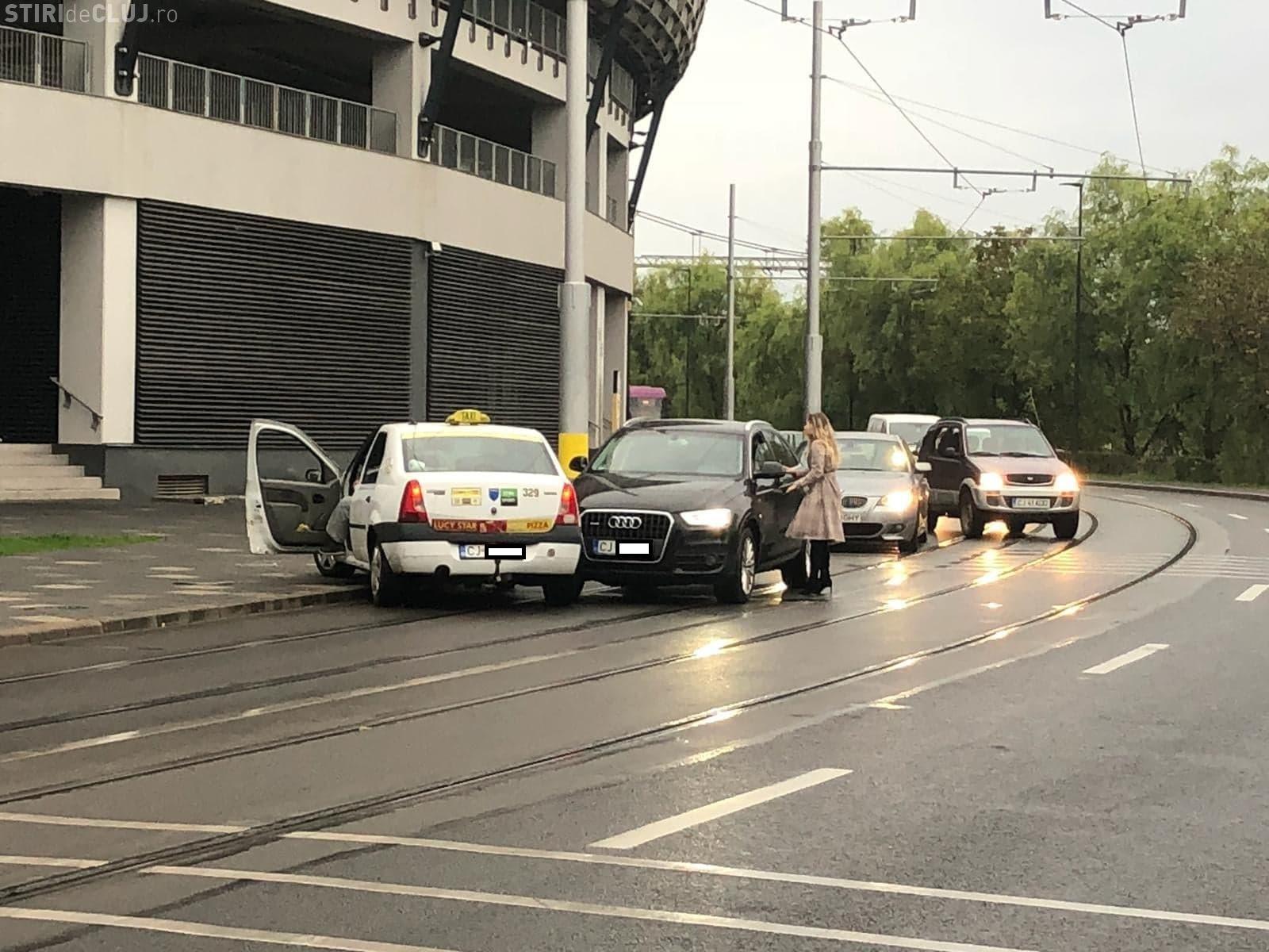 UPDATE: Trei accidente în mai puțin de două ore, pe aceeași stradă din Cluj FOTO