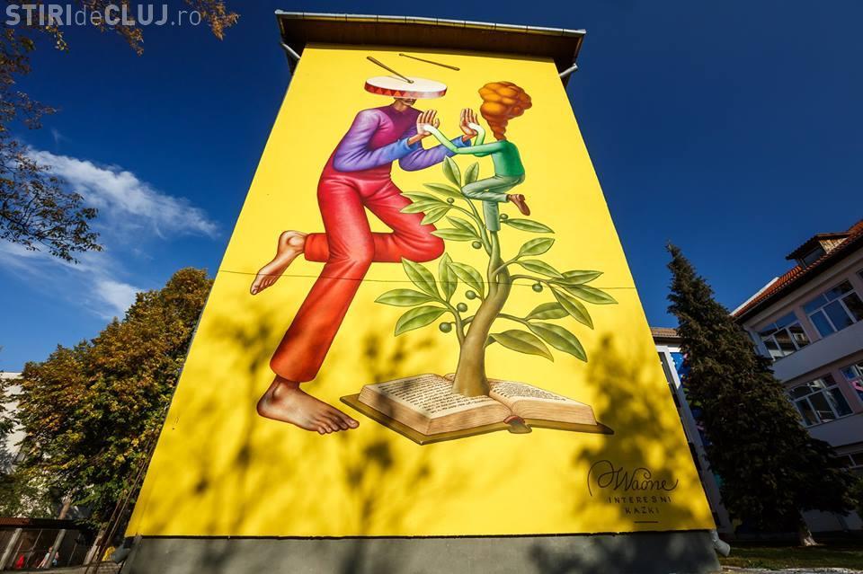 Artă în curtea școlii, la Cluj. Picturi murale pe pereții școlii Octavian Goga FOTO