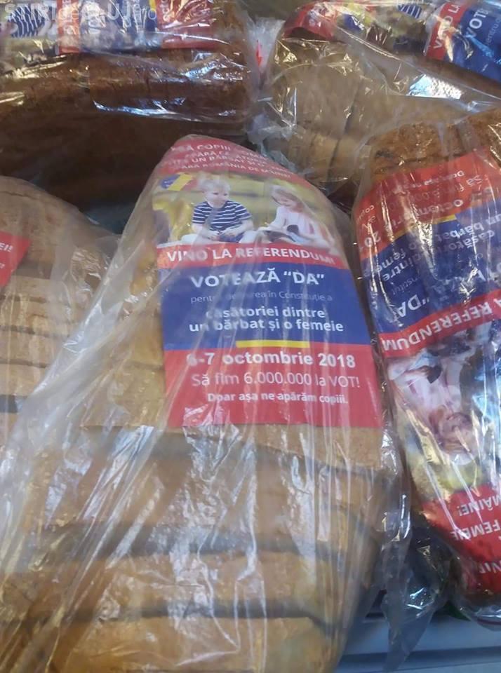Reclamă la referendum în pungile de pâine - FOTO