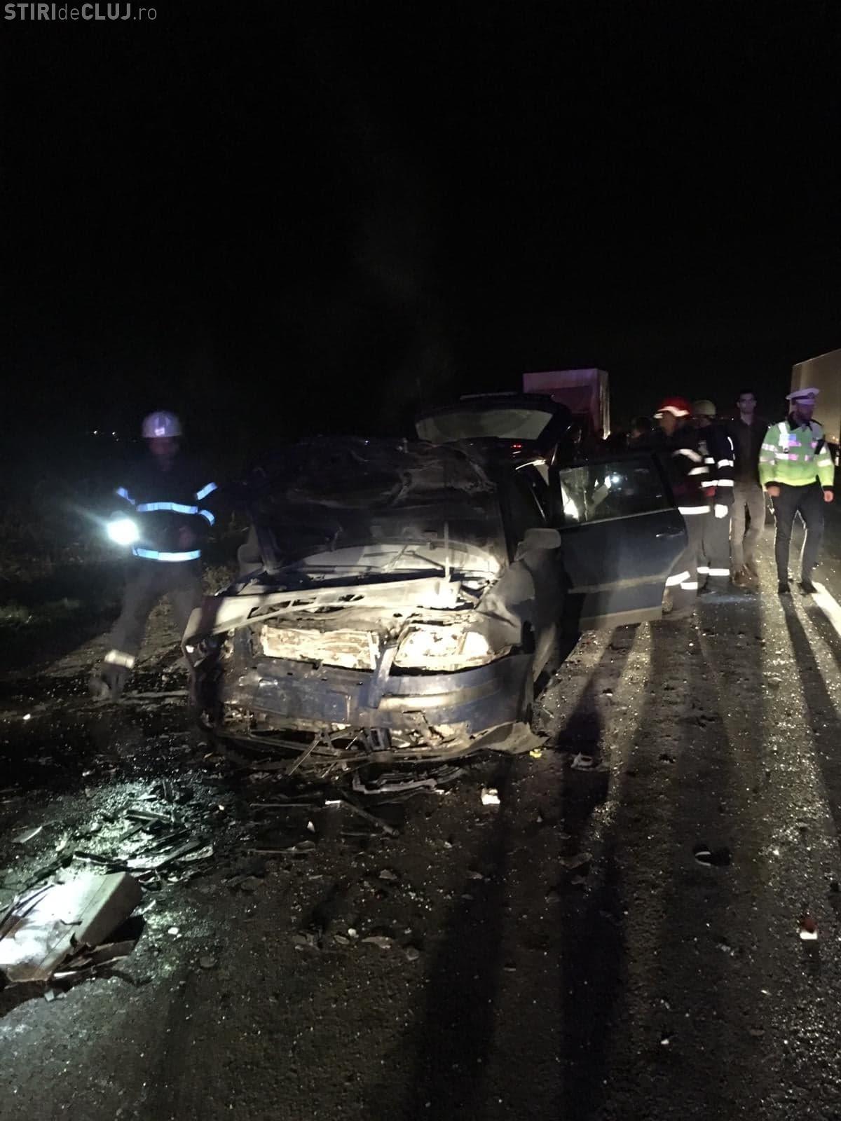 UPDATE Accident cu cinci victime pe drumul Cluj-Gherla. Șoferul vinovat a fugit de la fața locului FOTO
