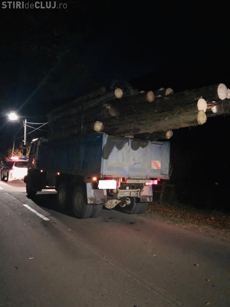Lemn în valoare de câteva mii de lei confiscat de polițiștii clujeni, în urma unui control în trafic FOTO/VIDEO