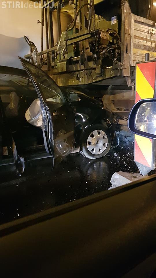 Accident în Zorilor, pe str. Observatorului. Șofer din Alba a vrut să FENTEZE COLOANA - FOTO
