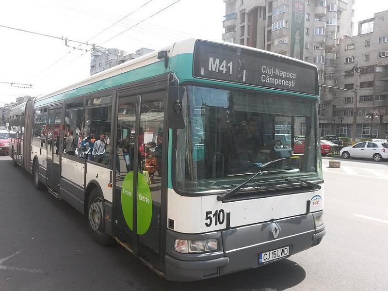 """Apahida a scumpit biletele pe mijloacele de transport în comun: """"Revoluția fiscală"""" a dus la scumpire"""