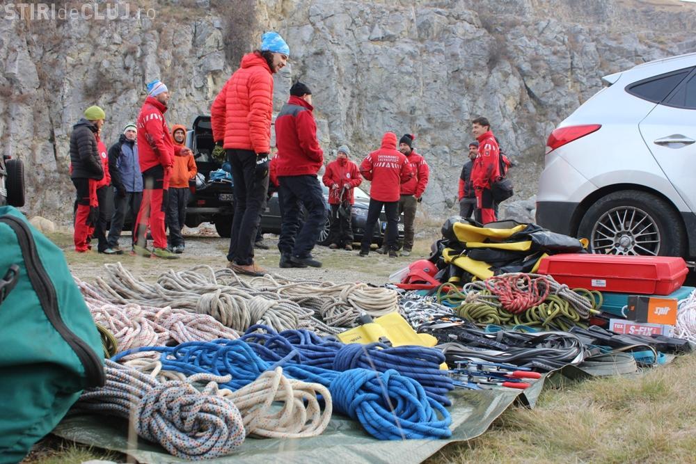 Salvamontiștii clujeni au făcut un exercițiu de salvare în Cheile Turenilor