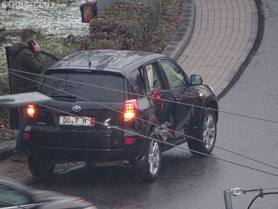 Nou accident în Mănăștur! S-a crezut zmeu în lupta cu tramvaiul și a piedut - FOTO