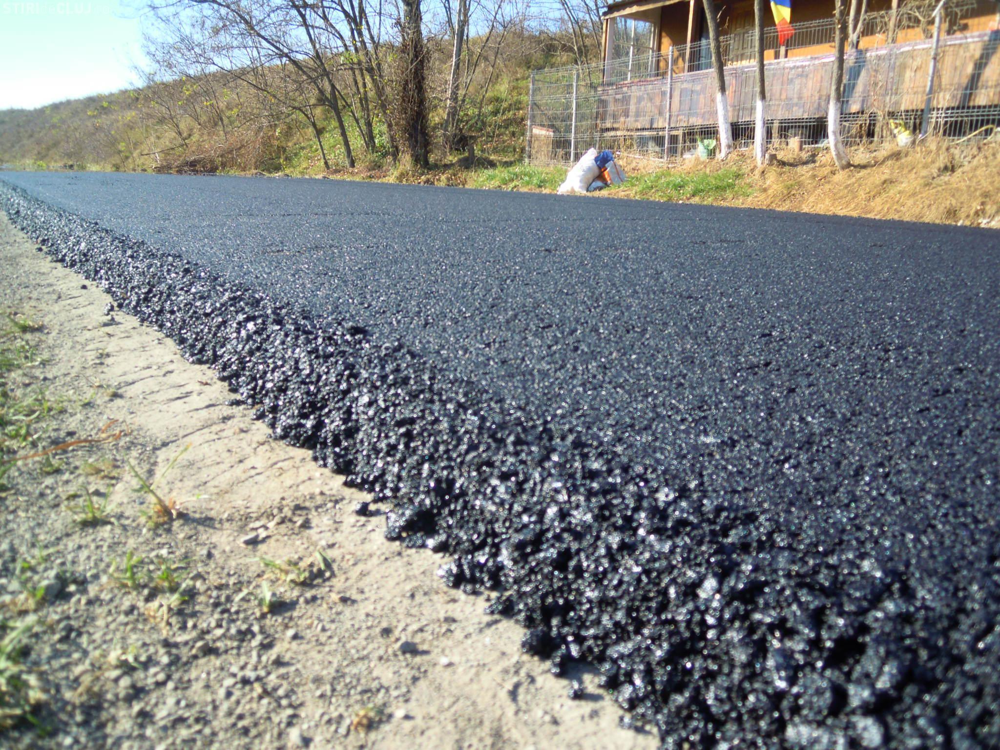 A fost finalizată asfaltarea pe drumul județean 107R Filea de Jos - Filea de Sus