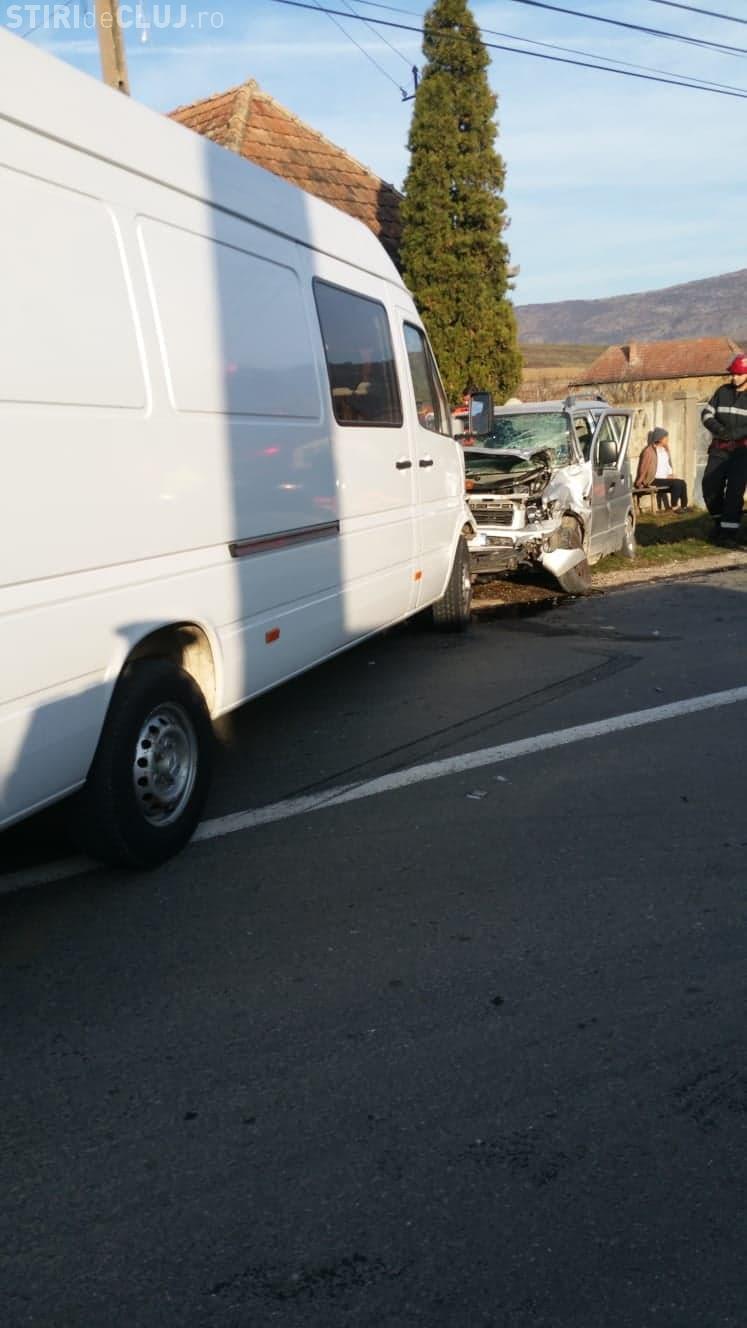 CLUJ: Accident cu trei victime. Șoferul vinovat era rupt de beat și nu avea permis FOTO