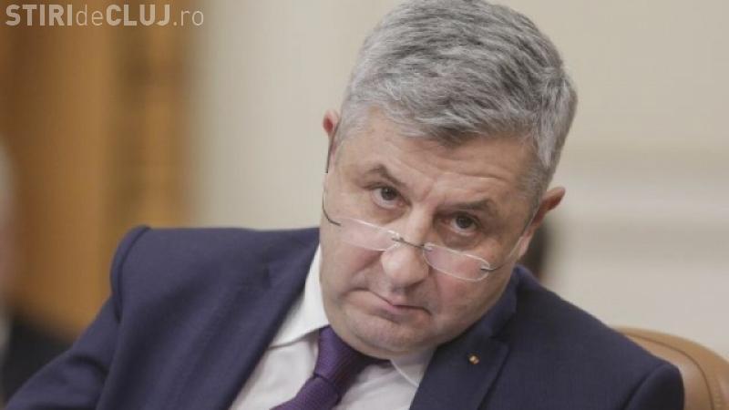 Explicația HALUCINANTĂ a lui Florin Iordache, după ce a făcut semne obsene în Parlament: Vi se pare